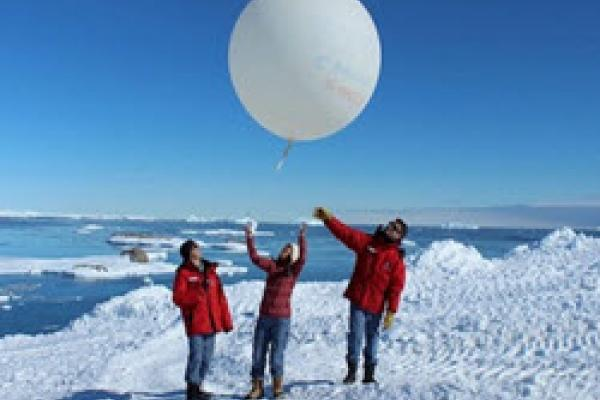Antarctic Baloon launch