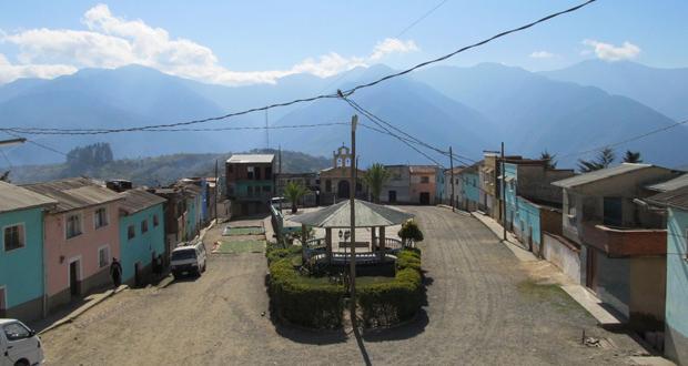 Village in Yungas, Bolivia. Zoe Pearson.